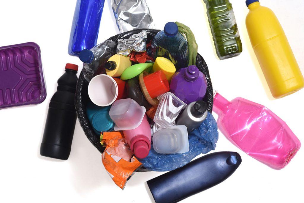 Envoltats de plàstics